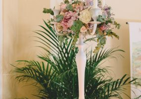 Trouwen in Toscane - bloemen bij ceremonie - funkybird - wedding design