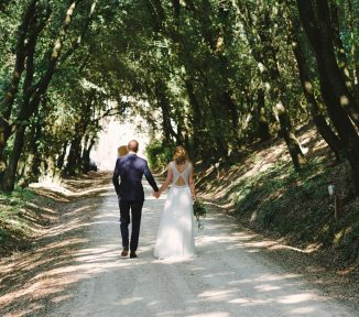 tuscan castle wedding - tuscany loves weddings